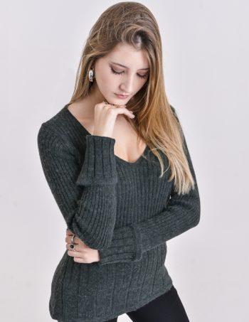 Art. 831 , Sweater escote V